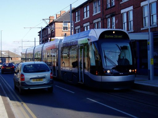 Nottingham Express Transit tram First day at Radford Road stop