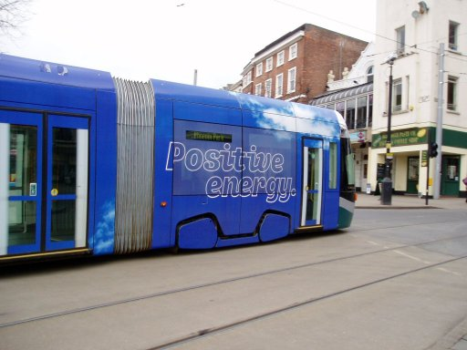 Nottingham Express Transit tram 201 at Beastmarket Hill