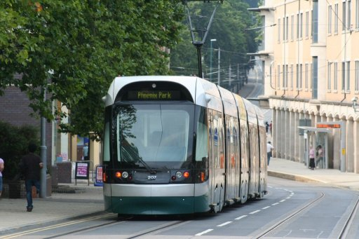 Nottingham Express Transit tram 207 at Goldsmith Street