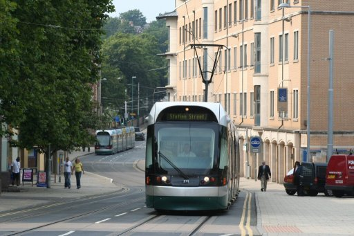 Nottingham Express Transit tram 211 at Goldsmith Street