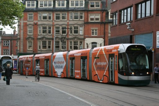 Nottingham Express Transit tram 201 at Goldsmith Street