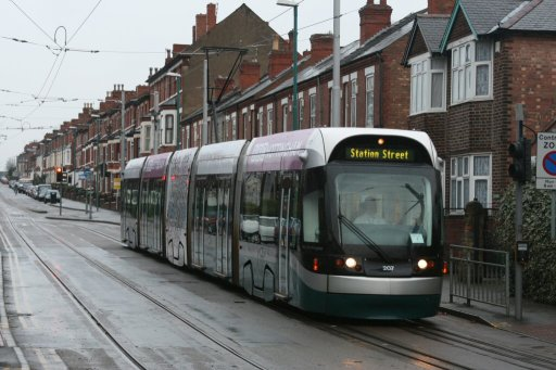 Nottingham Express Transit tram 207 at Noel Street