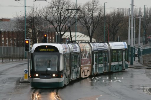 Nottingham Express Transit tram 208 at Wilkinson Street