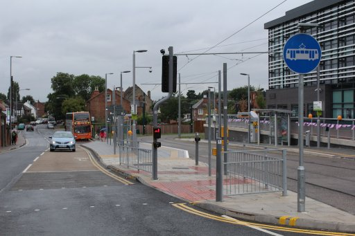 Nottingham Express Transit tram stop at High Road - Central College