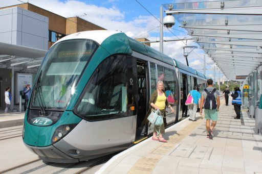 Nottingham Express Transit tram 226 at Queens Medical Centre stop