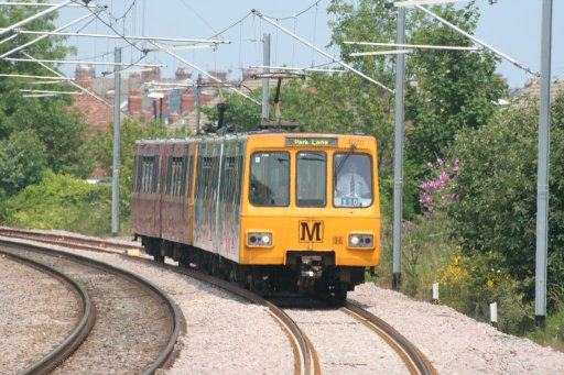 Tyne and Wear Metro unit 4020 at near Stadium of Light