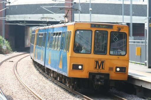 Tyne and Wear Metro unit 4039 at Stadium of Light station