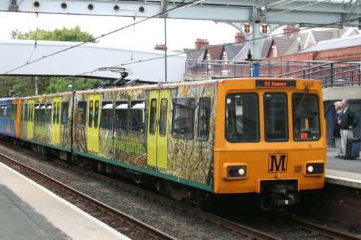 Tyne and Wear Metro unit 4048 at Whitley Bay station